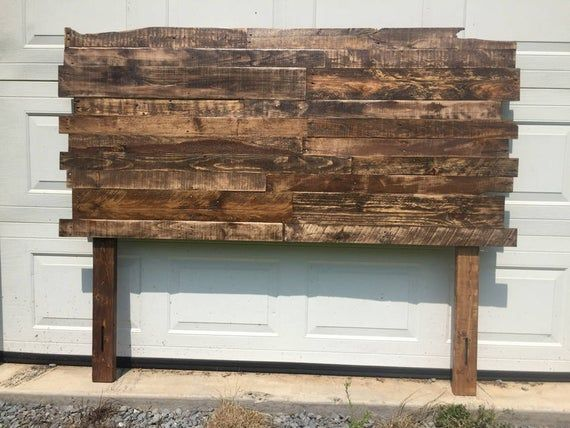 Pallet Wood Headboard Rustic Industrial Repurpose Reuse Recycle Each One Is Unique Staggered Edges Cabeceras De Madera Muebles Con Pallets Respaldos De Cama