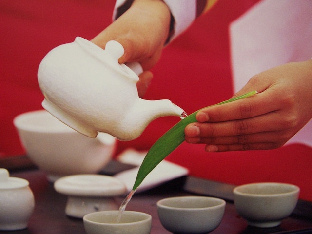 Korean Tea ceremony...I love how this picture makes me feel!  I can just feel the light, love, & energy flowing from this leaf into the tea. Beautiful!!
