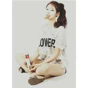 Lovelyz-Yein