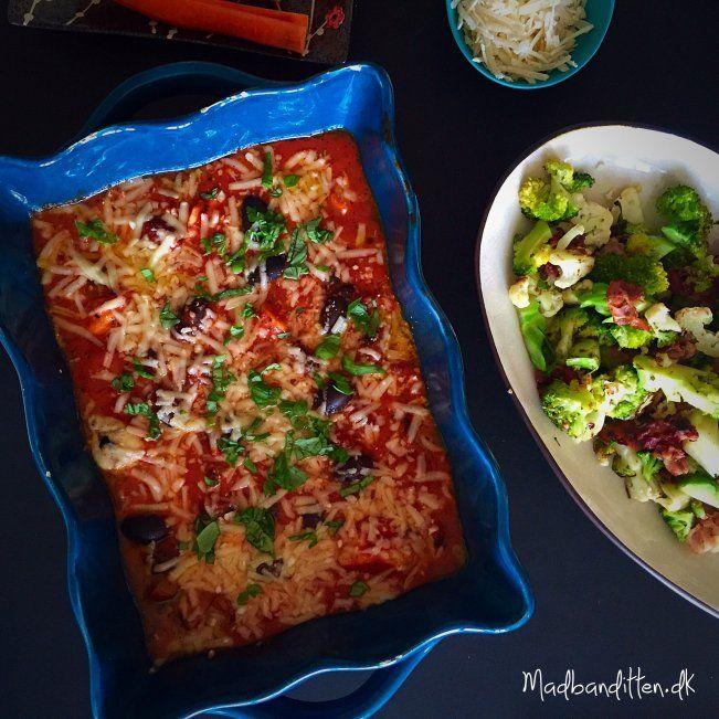 Nem italiensk kylling-pølse-ret med oliven og parmesan --> madbanditten.dk