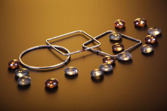 Braccialetti rotondi e quadrati bangle in alluminio di GrovigliLab
