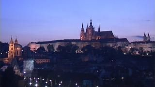 The earthTV camera offers an astonishing view from the Hotel Leonardo of the well-preserved architecture and old buildings, such as the Charles Bridge, Prague Castle, St. Nicolas Church, St. Vitus Cathedral and the Petrin Lookout Tower. Prague, Czech Republic: Travel now live with earthTV in real time!