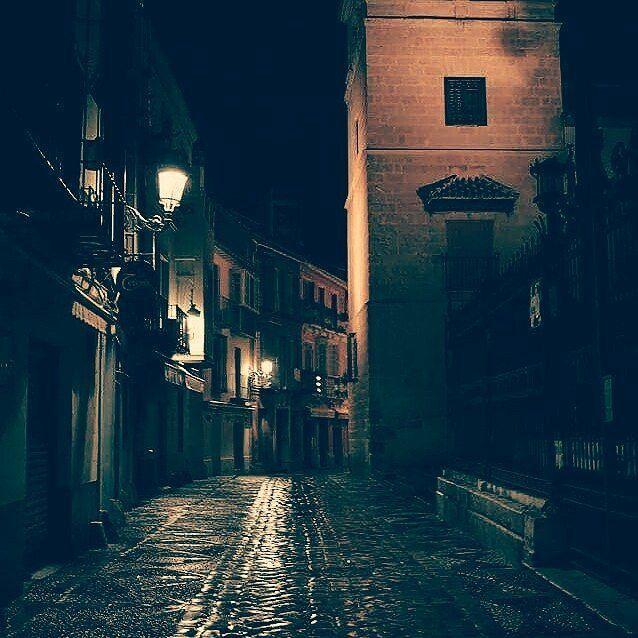 Foto de @sebastian_crist en Instagram > Calle San Agustín  #amazing #museopicassomalaga #malaga #costadelsol #andalucia #bella #wonderful  #paradise #amazing #niceplace #toll #schön #glücklich