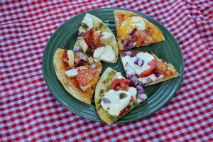 Grilled Pizza — A New American Tradition: Foodie Goodies, Grilled Pizza, Foodies Unite