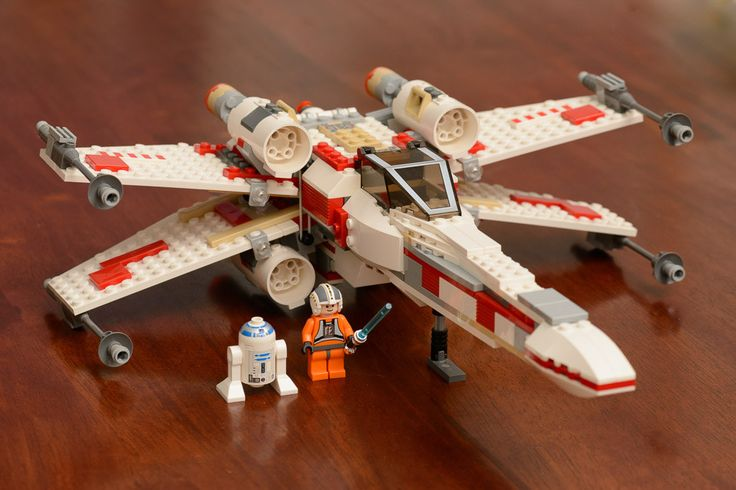 Lego Star Wars- X-Wing Set 6212 http://www.flickr.com/photos/andrew-d/22267749259/
