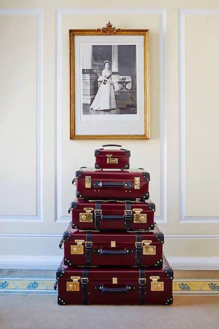 """トラベルケースで知られる英「グローブ・トロッター(GLOBE TROTTER)」は、エリザベス女王の90歳の誕生日を記念し、人気シリーズ""""ロワイヤル""""から特別コレクション""""クイーン・エリザベス""""を6月10日に発売する。エリザベス女王の年齢に..."""