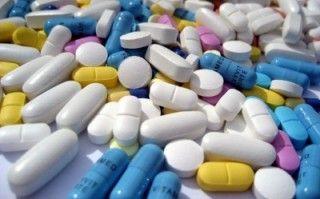 MEDICATIE BIJ AUTISME  Anti-depressiva Lithium Beta-blokkers Clonidine