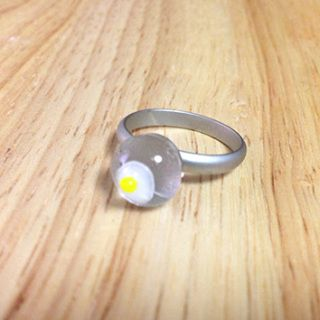 """Handcut fused glass ring  Glass size: 10mmX10mm  Ring type: adjustable ring Ring color: matt silver Designed by """"bittnada"""""""
