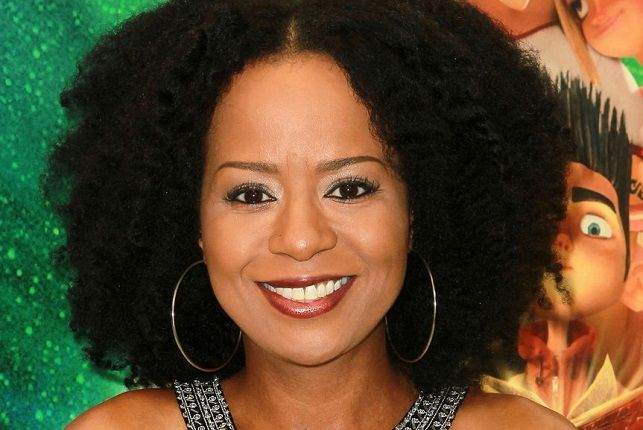Seeing African American actresses with their natural hair will always be refreshing. Tempestt Bledsoe loves showing off her natural tresses.
