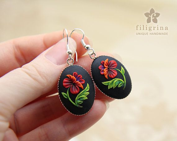 GORGEOUS POPPY oval earrings floral motif in silver by Filigrina