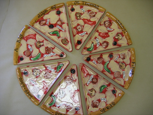 pizza slice pepperoni and veggie fingerprint class auction plate set by Pottery Piazza