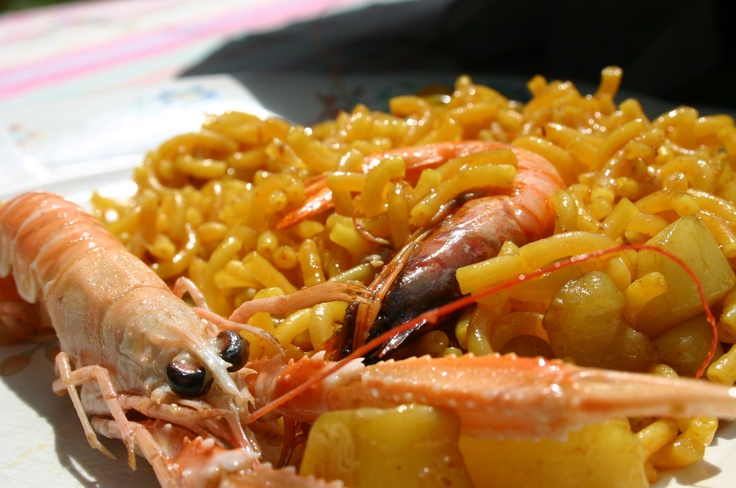 Valencian Fideuà - kind of seafood #paella with noodles