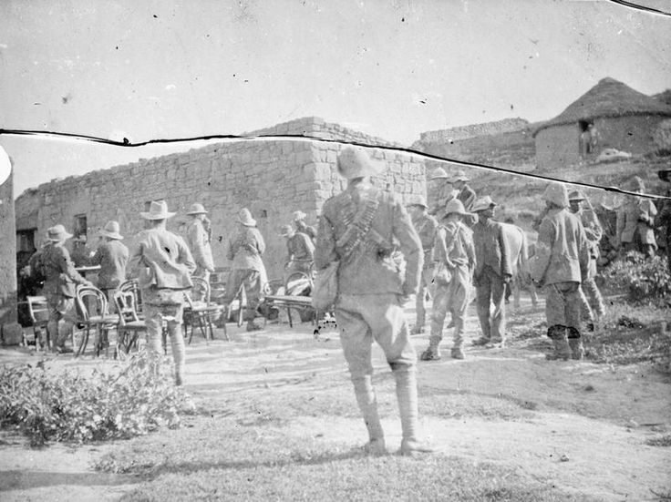 Troops of one of the British regiments clearing a Boer farm at Winburg © IWM (Q 72295)