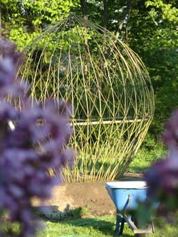 (via Living Willow Structures of the Hamptons by Bonnie Gale - EXPERIENCE Living Willow
