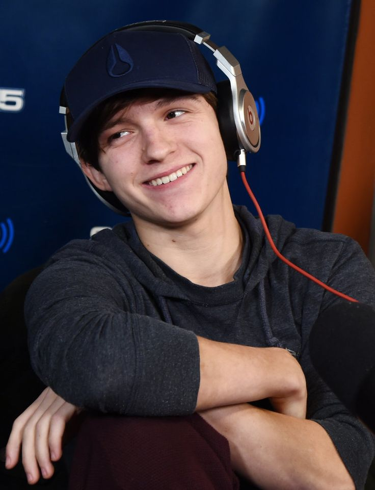 Cute Photos of Spider-Man Tom Holland | POPSUGAR Celebrity UK