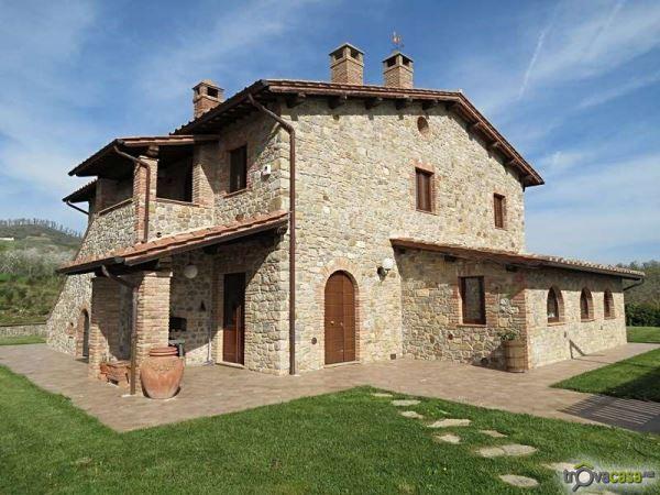 rustico_casale_e_casa_di_corte-in-vendita-a-fabro.jpg (600×450)