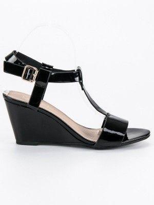 4f10cff7c4 Čierne sandále na klinovom opätku DS38 16B