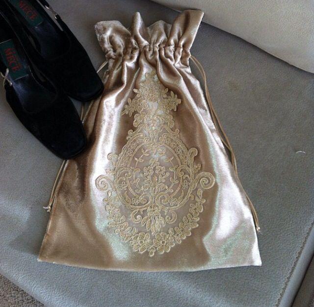 By rezzan erik turbil - Damat bohçası-kutu-gelin- gifts- bride-bridal-groom-turkish culture- engagement-bişan söz bohcası- gift box-suit box-ottoman silk-bursa- seccade/ kayınvalide-kayınpeder- kardeş- brother-ayakkabı kesesi-customized