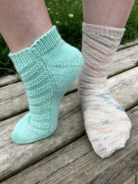Mejores 167 imágenes de Sock Knitting Patterns en Pinterest | Punto ...