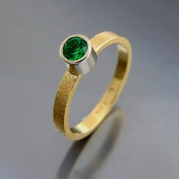 złoty pierścionek BIZOE ze szmaragdem