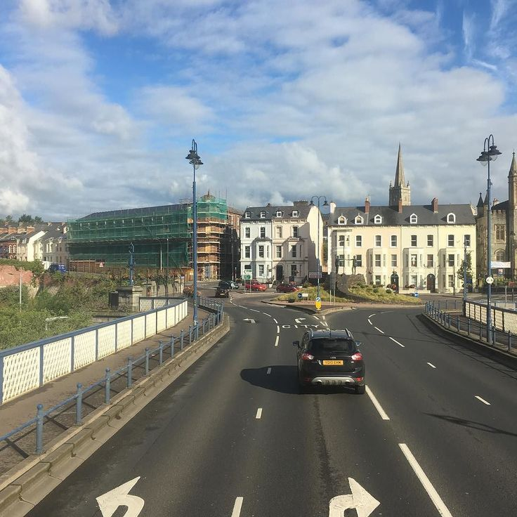 Nearly at work. . . #busview #twitter #craigavonbridge #derry #morning #traffic #summer #work #commute #northernireland #londonderry #ulsterbus #translink @translinkni