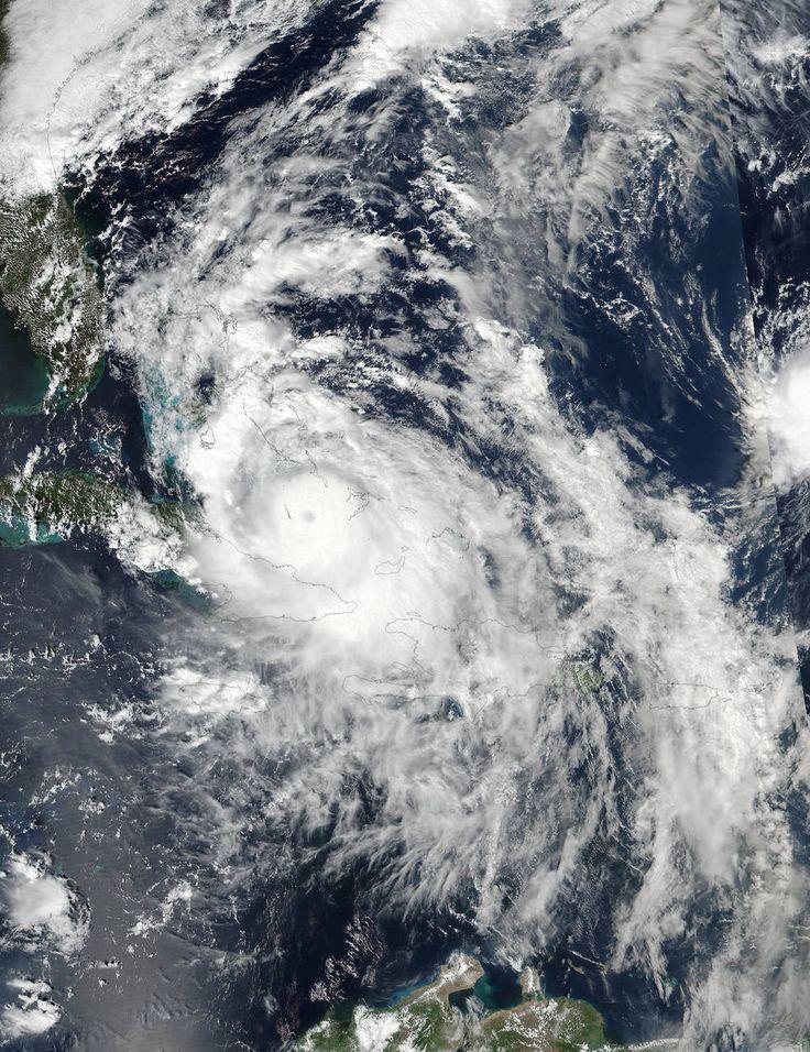 On Oct. 5 at 2:30 p.m. EDT (1830 UTC) the Visible Infrared Imaging Radiometer Suite (VIIRS) instrument aboard the NASA-NOAA Suomi NPP satellite captured a visible image of Hurricane Matthew moving through the Bahamas. Credits: NOAA/NASA Goddard Rapid Response Team