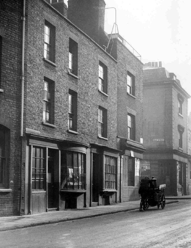 Junction of Hale street poplar 1932
