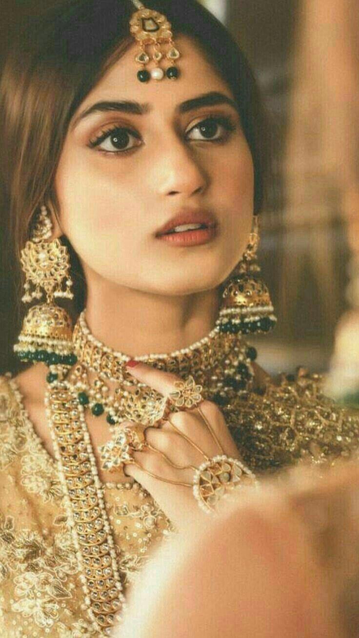 Sajal Alys Cute look in Mehndi Dress ! - Style.Pk