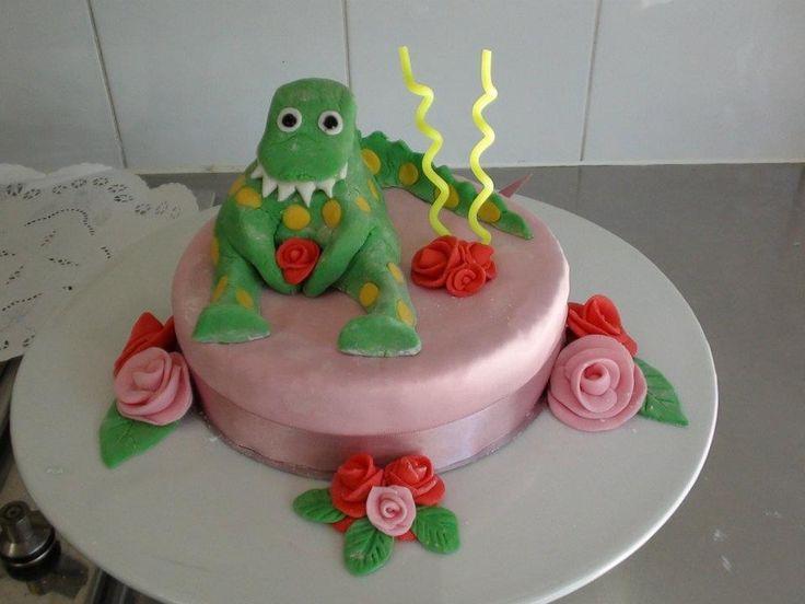 My daughters Dorothy the dinosaur birthday cake