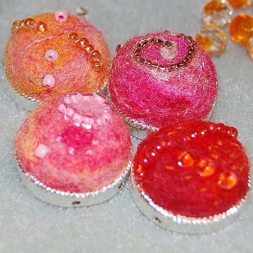 Needle Felted Bead Cabochon with Tutorial - FIBER ARTS