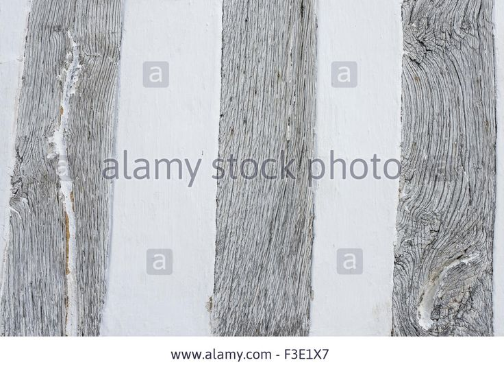http://c8.alamy.com/comp/F3E1X7/detail-of-the-lime-washed-oak-beams-on-the-front-of-the-guild-hall-F3E1X7.jpg