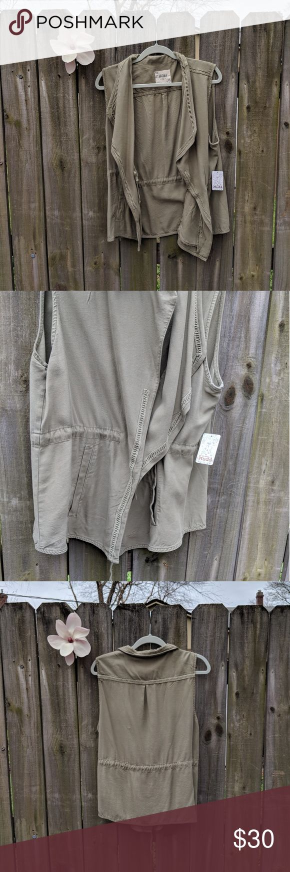 Mudd Shady Tree Vest XL NWT   Mudd Green Vest  The perfect extra Layer Mudd Jackets & Coats Vests
