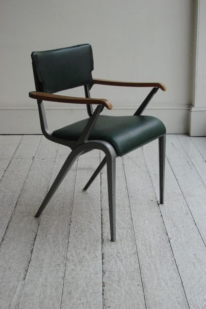 AN ORIGINAL AND QUITE RARE 'MASTER'S' CHAIR BY JAMES LEONARD - Howe