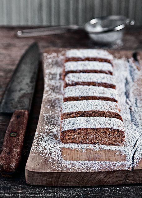 Biscotti frettolosi di Elena al farro, nocciole e cioccolato by Azabel, via Flickr