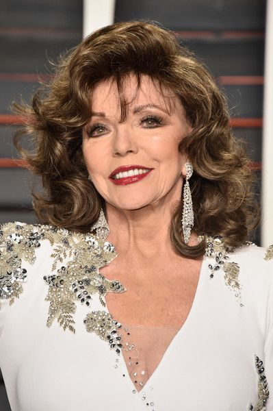 Joan Collins Photos - 2016 Vanity Fair Oscar Party Hosted By Graydon Carter - Arrivals - Zimbio