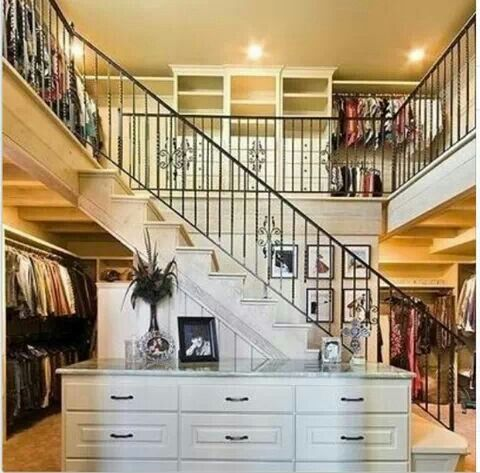 A mall in my closet? Ummmm yes please.