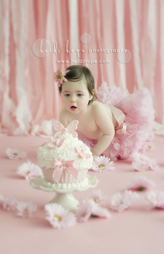 1st birthday . . . cake smash!First Birthday Cake, Cake Smash, Smash Cake, 1St Birthdays, 1St Birthday Cake, Birthday Cakes, First Birthday Pictures, Birthday Ideas, Cakesmash