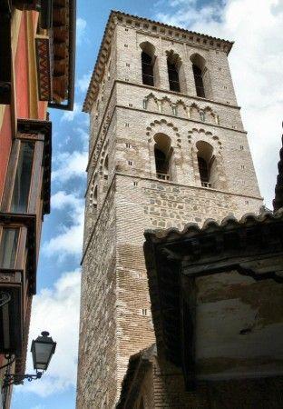 Torre mudéjar de la iglesia de Santo Tomé en Toledo