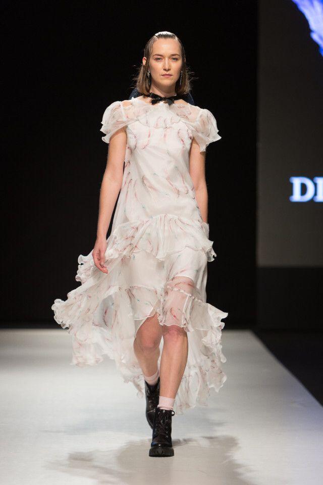 Diana Arno  #VogueRussia #readytowear #rtw #springsummer2018 #DianaArno #VogueCollections