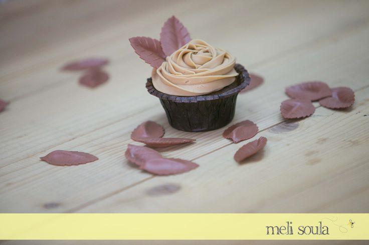 Αμερικάνικα #cupcakes με φινετσάτη γαλλική σοκολάτα #Valrhona dulcey Chocolate!!!
