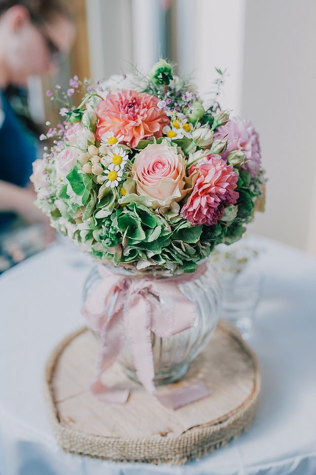 die besten 25 brautstrauss rosen hortensien ideen auf pinterest hortensien hochzeitsstrauss. Black Bedroom Furniture Sets. Home Design Ideas