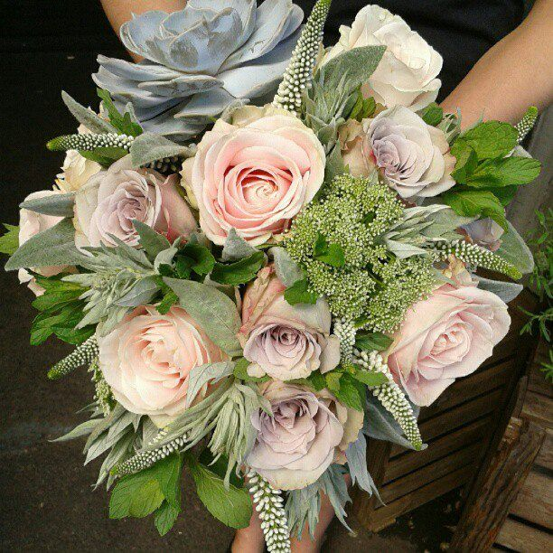 I like the use of mint and dill in this bouquet