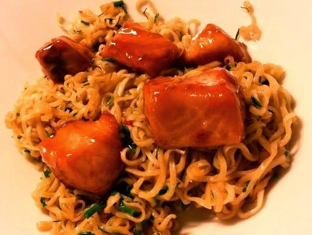 Emilia's Cuisine: Teriyaki-lohi ja paistetut nuudelit