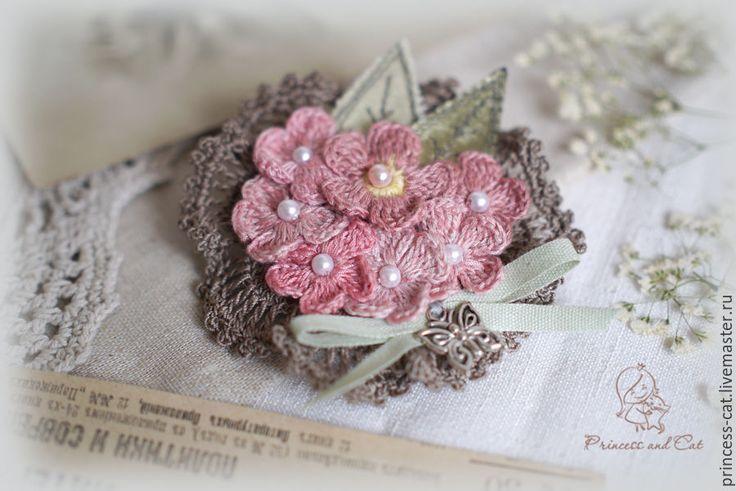 """Купить Брошь """"Влюбленная бабочка"""" - кремовый, брошь, брошь ручной работы, брошь цветы"""