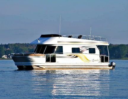 ARMADIA THE CUSTOM-MADE PONTOON-TYPE HOUSEBOAT Armadia ...