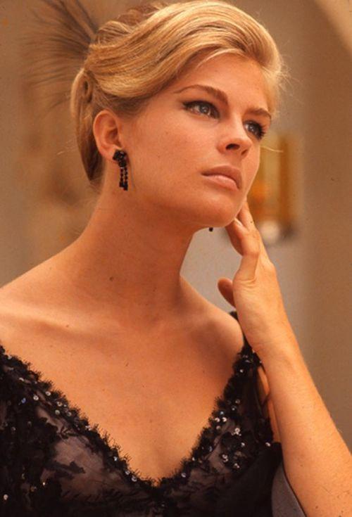 Miss Honoria Glossop via classiclegend:  Candice Bergen