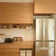 クルミのセパレート食器棚と冷蔵庫上吊戸棚