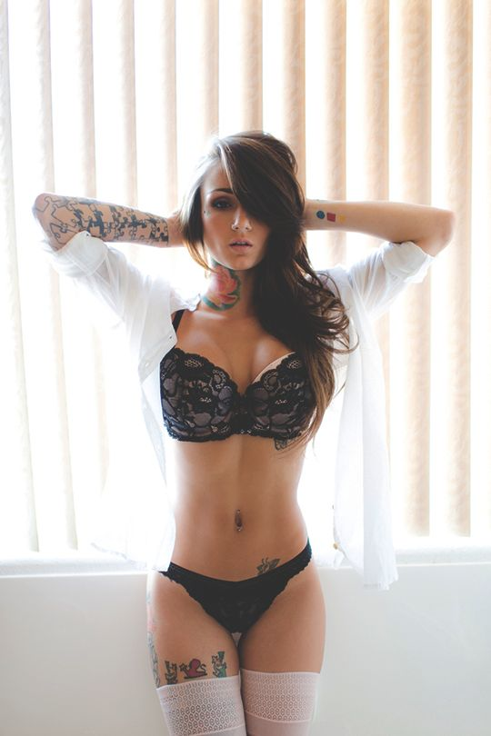 modernambition:   Tatted Beauty | MDRN    More Girls at SluttyCams.co