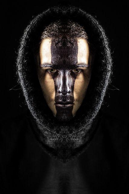 ligne noir maquillage autoportrait, symétrie, symmetry 365 days project,  Manuel Martinez  http://ememphotographie.wix.com/photo