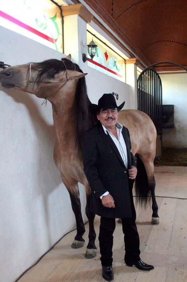 El rancho de Joan Sebastian, de puertas abiertas para recibir a fans, amigos y familiares
